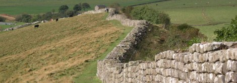 cropped-hadrians_wall_at_greenhead_lough